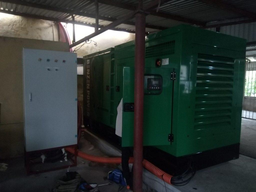 Máy phát điện được đặt trong nhà xe thoáng mát tại bệnh viện tỉnh Hải Dương