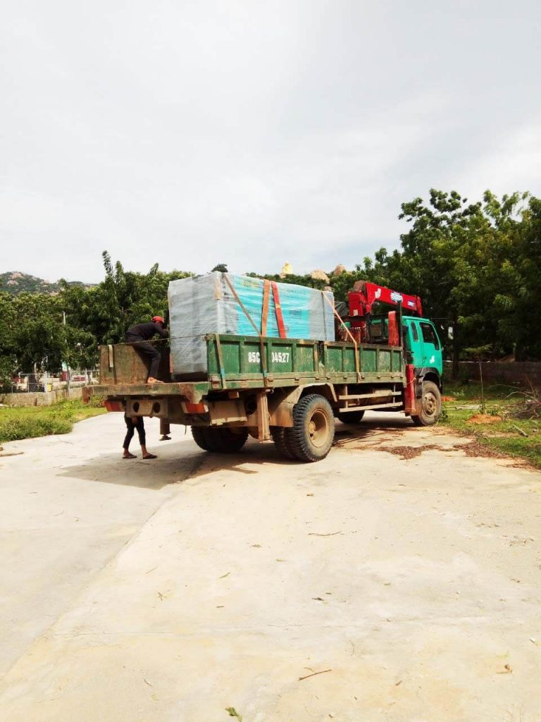 Vận chuyển máy phát điện Mitsubishi tới Ninh Thuận